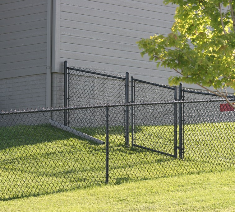 AFC Grand Island - Chain Link Fencing, 100 4' black vinyl chain link
